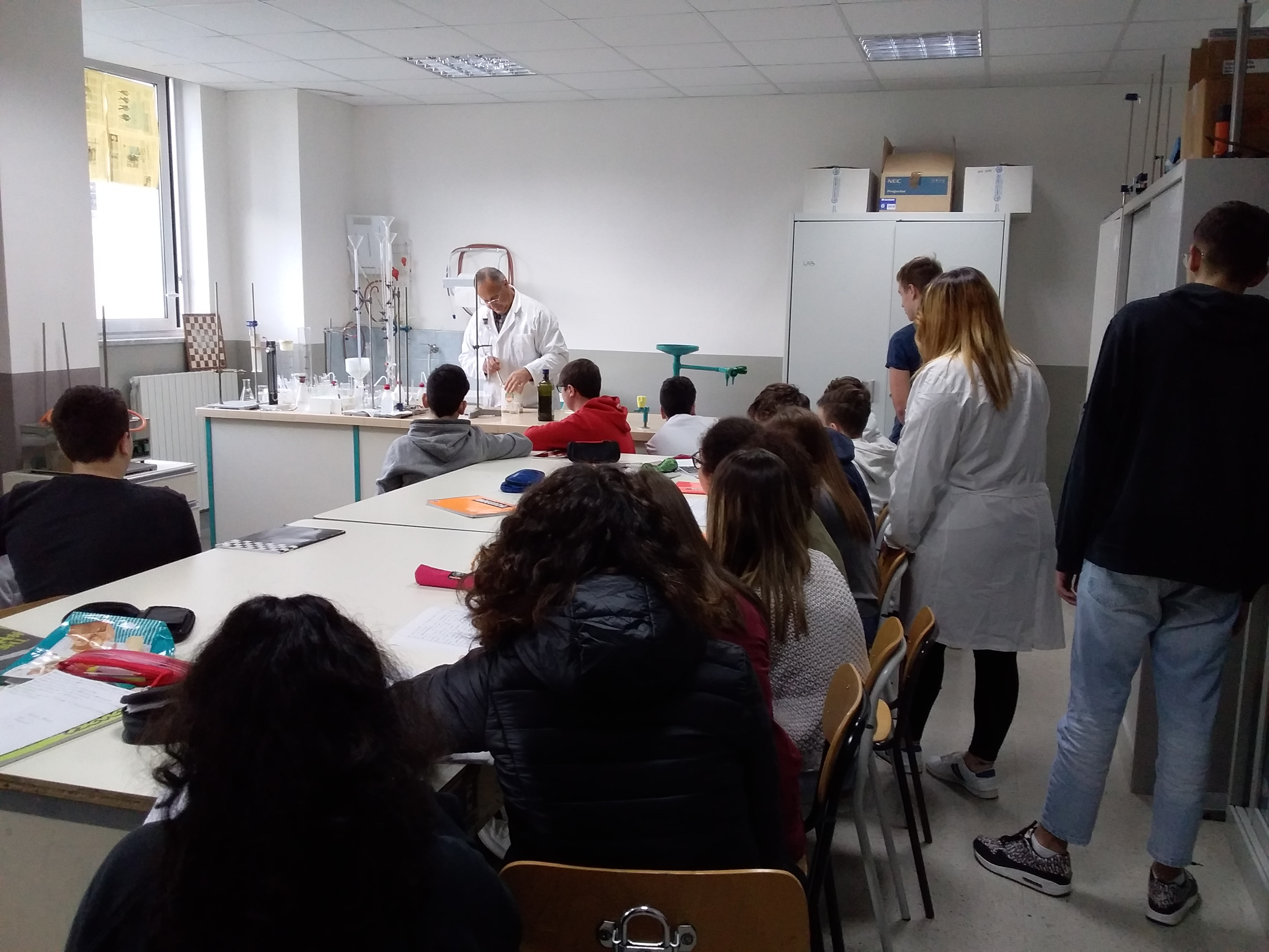 Laboratorio Chimic-Fisica-Biologia